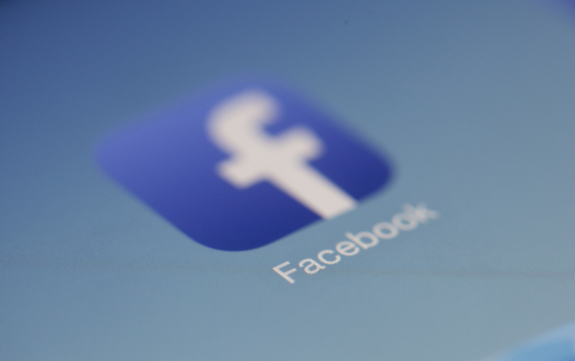 The Facebook at Work Dilemma & 5 Ways to Deal with It